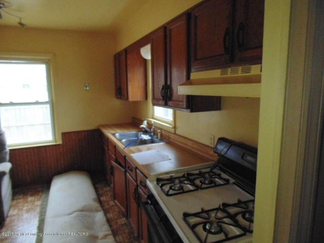2305 W North St - Kitchen - 2