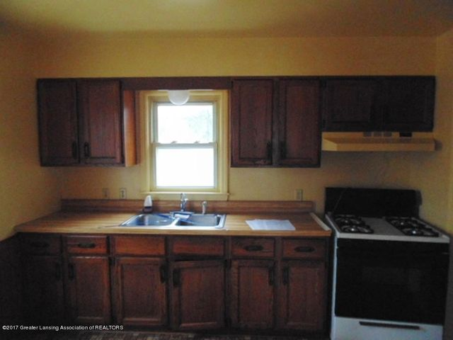 2305 W North St - Kitchen - 4