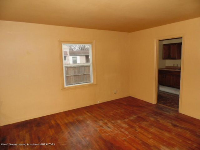 2305 W North St - Living Room - 6