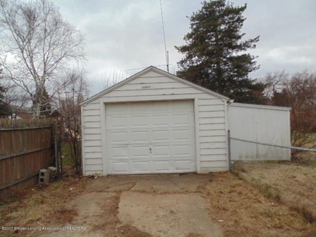 2305 W North St - Garage - 20