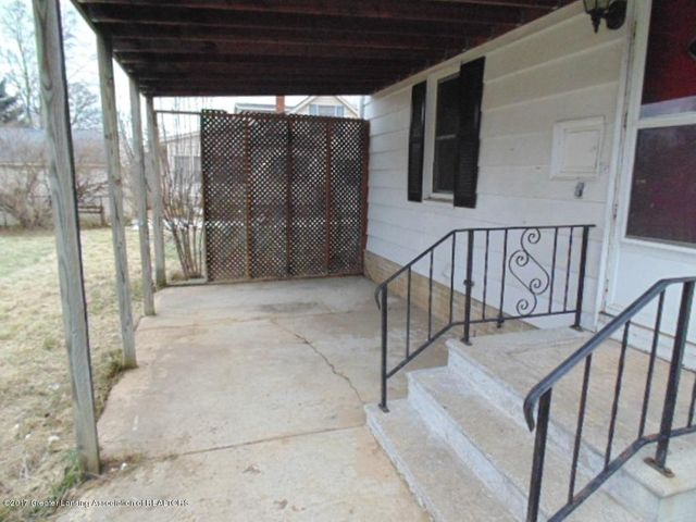 2305 W North St - Porch Area - 19