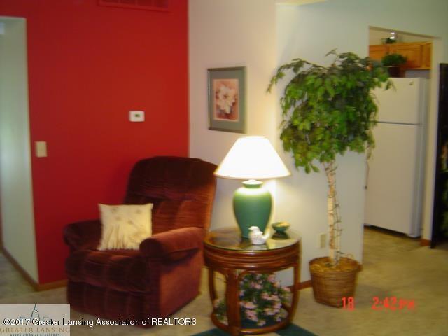 664 John R St - Living Room - 5