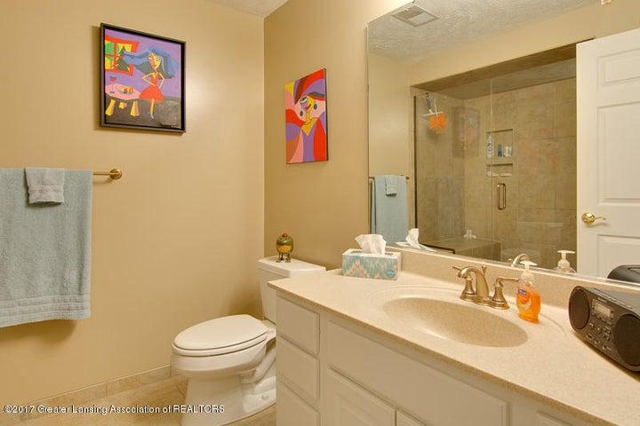 6389 Highland Ridge Dr - bathroom three - 17