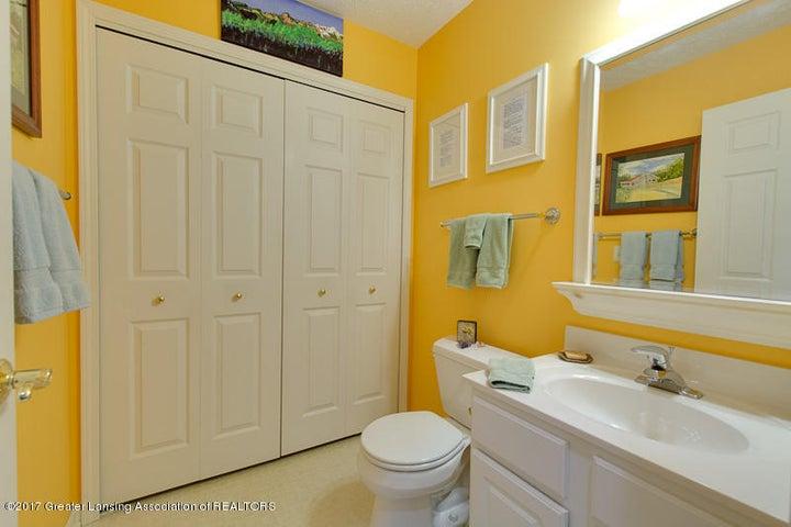 6389 Highland Ridge Dr - bathroom - 19