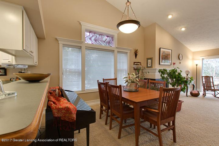 6389 Highland Ridge Dr - dining room two - 11