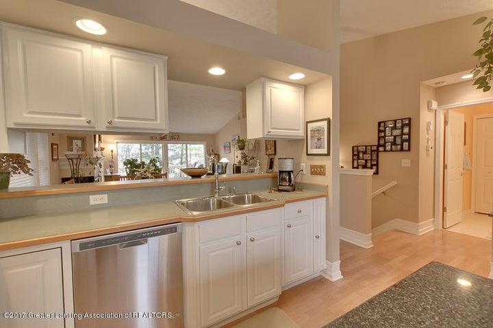 6389 Highland Ridge Dr - kitchen three - 14