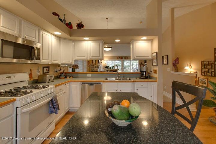 6389 Highland Ridge Dr - kitchen two - 23