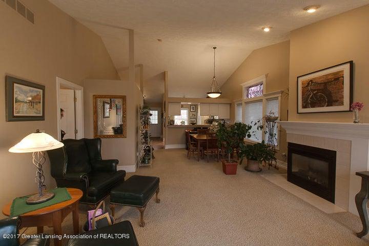 6389 Highland Ridge Dr - Living Room dining room - 7