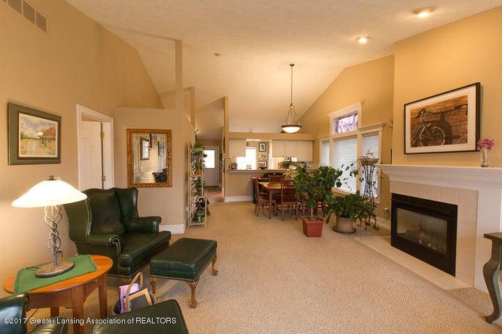 6389 Highland Ridge Dr - Living Room three - 8