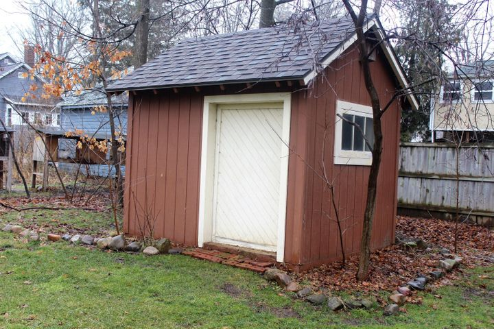 305 E McConnell St - Shed - 26