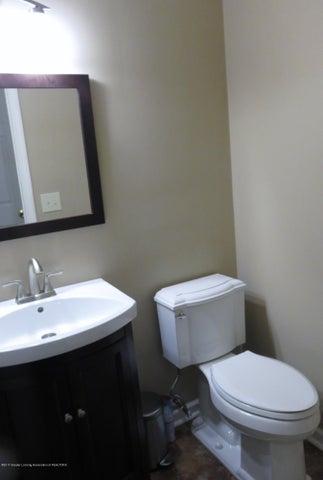 2937 Victor Ave - 1st Floor 1/2 bath - 19
