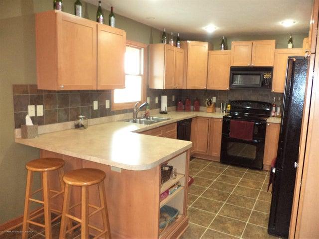 3565 Banner Rd - Kitchen view 1 - 7