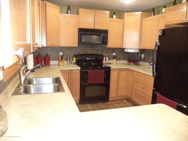 3565 Banner Rd - Kitchen view 2 - 8