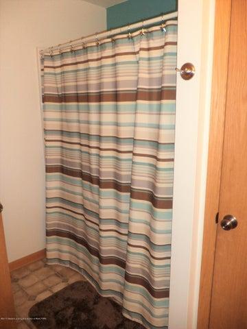 3565 Banner Rd - Main bath view 2 - 15