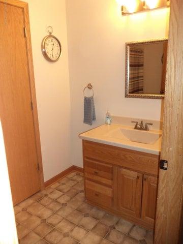 3565 Banner Rd - Main bath view 1 - 14