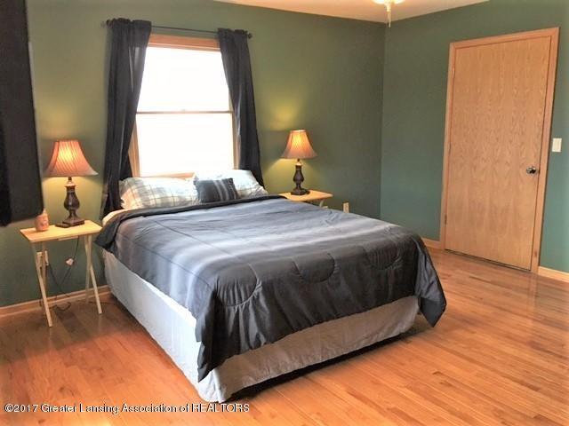 3565 Banner Rd - Master Bedroom & walk in closet - 20