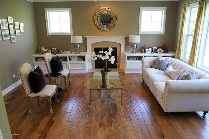 3540 Myrtle Dr - Living Room - 4