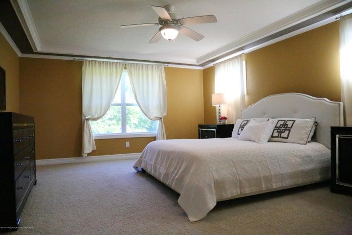 3540 Myrtle Dr - Master Bedroom - 10
