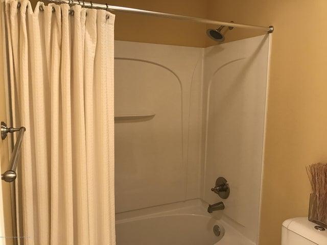 3540 Myrtle Dr - Bathroom - 17