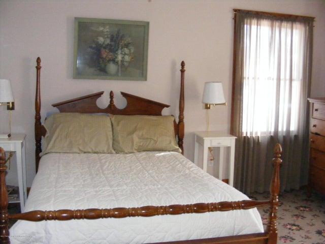 1101 West St - Master Bedroom - 15