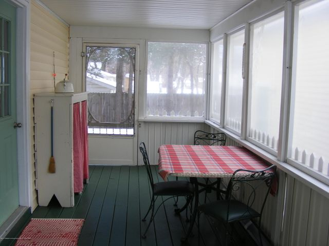 1101 West St - Screened Porch - 27