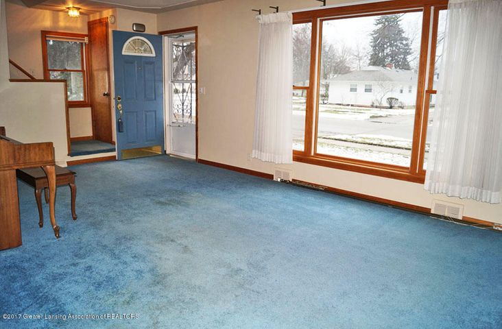 2315 Woodruff Ave - Living Room - 3