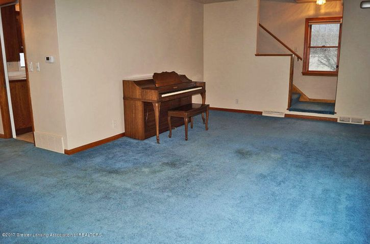 2315 Woodruff Ave - Living Room - 4