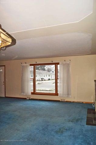 2315 Woodruff Ave - Living Room - 6