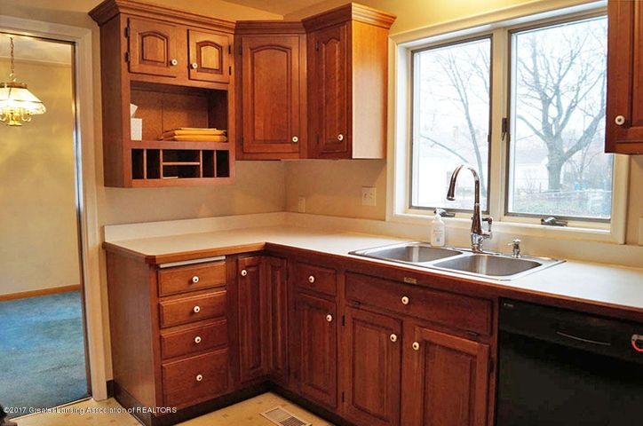 2315 Woodruff Ave - Kitchen - 10