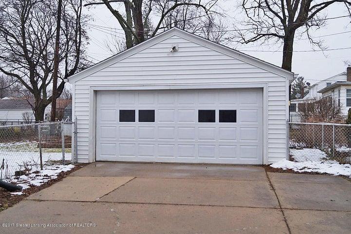 2315 Woodruff Ave - 2 Car Garage - 24