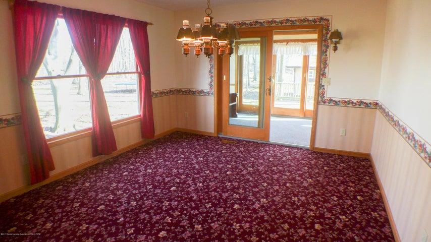 3370 Zimmer Rd - dining room/entrance 4 seasons - 22
