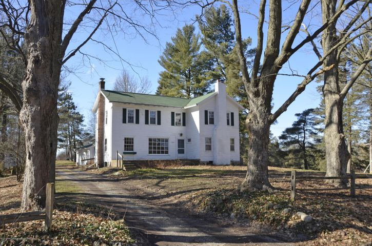 4895 Barton Rd - Gracious Farmhouse in Williamston MI - 1