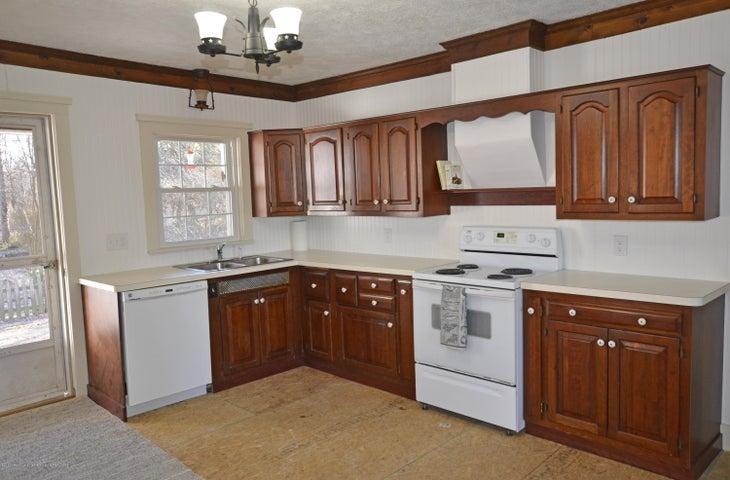 4895 Barton Rd - Kitchen - 5
