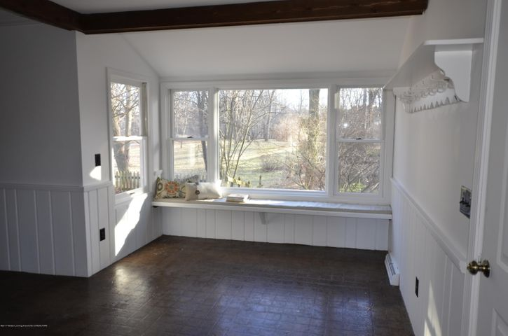 4895 Barton Rd - Recreation Room - 8