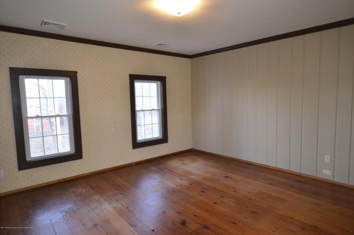 4895 Barton Rd - NE Bedroom - Master - 15