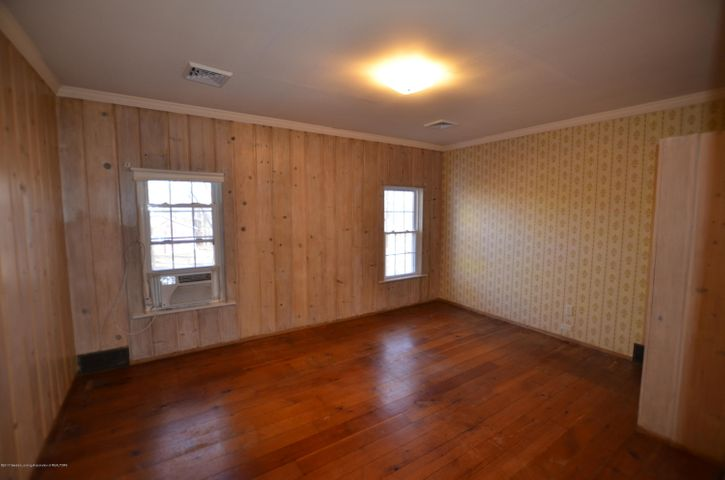 4895 Barton Rd - East Facing Bedroom - 16
