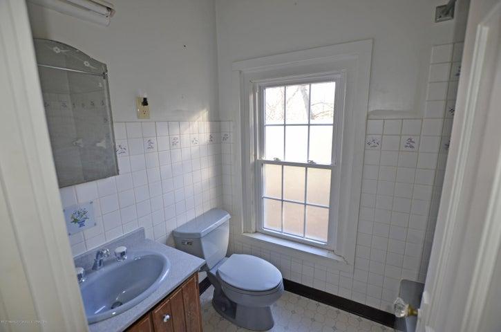 4895 Barton Rd - Main Hall Bath on Second Floor - 17