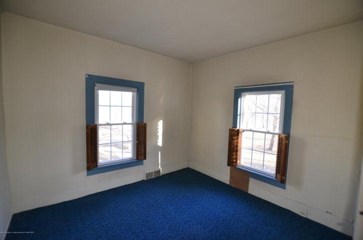4895 Barton Rd - Bedroom 3 - 18