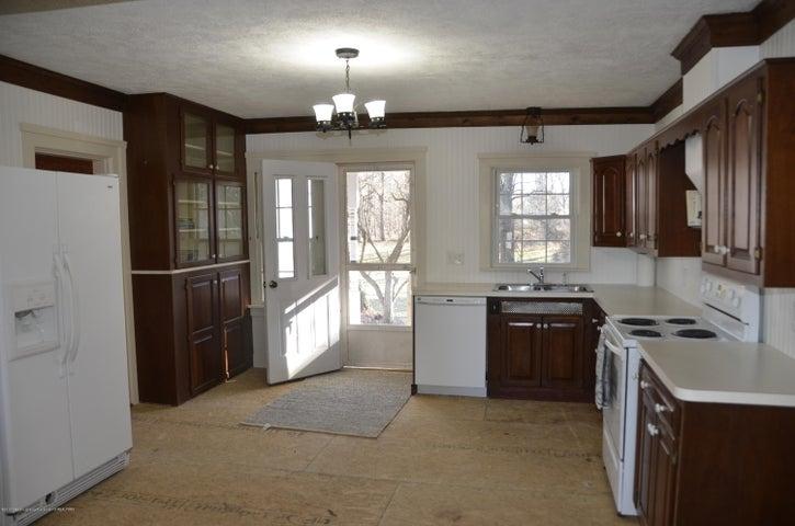 4895 Barton Rd - Kitchen - 2