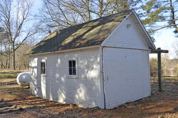 4895 Barton Rd - Potter's Shed - 29