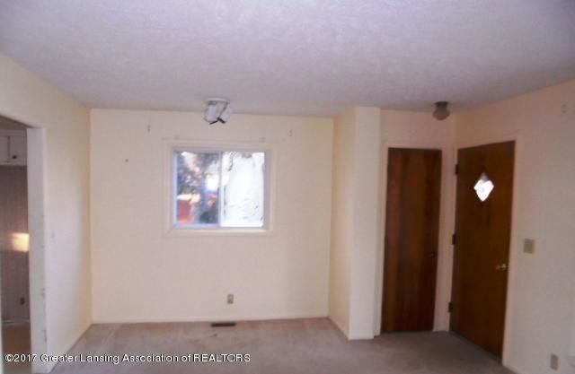 3027 Andrea Dr - LIVING ROOM - 14
