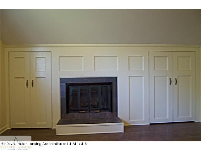 8893 W Wilbur Hwy - Fireplace in Master - 14