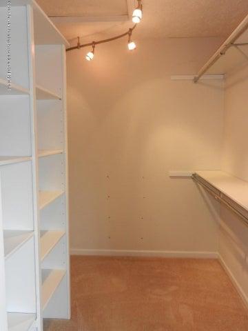 12397 Sea Pines Dr - master closet - 24