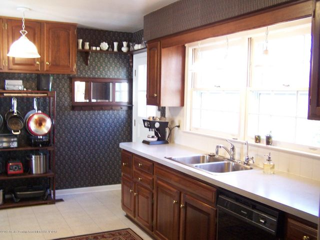 904 Raeburn Rd - Kitchen - 17