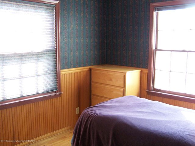 904 Raeburn Rd - Lower Level Bedroom - 24