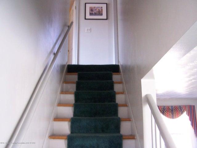 904 Raeburn Rd - Stairs - 26