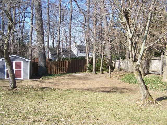904 Raeburn Rd - Yard - 54