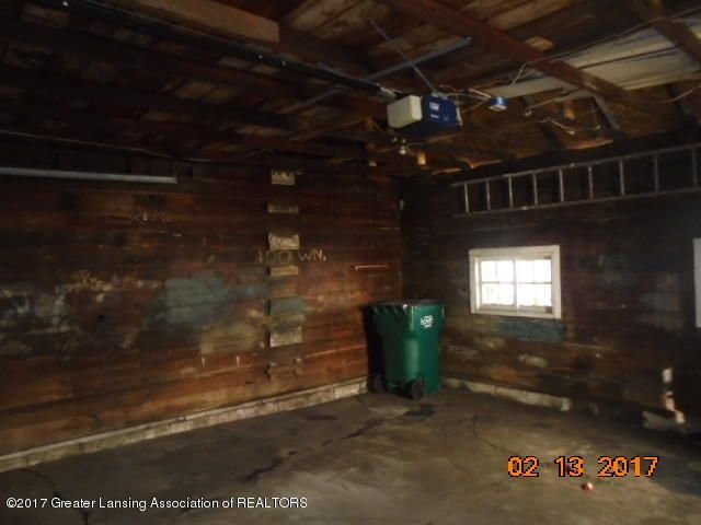 333 Bartlett St - Inside garage - 8
