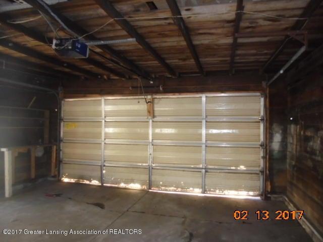 333 Bartlett St - Inside garage - 9