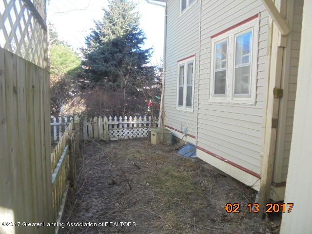 333 Bartlett St - Backyard - 10